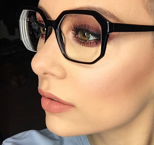301caaf03b718 10 Dicas de Maquiagem para Quem usa Óculos para Mudar sua Vida