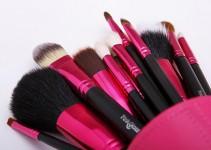 Necessaire de Maquiagem: 12 Itens que Não podem Faltar
