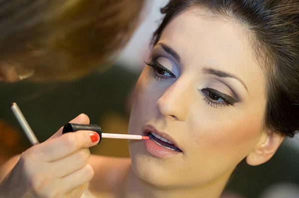 O toque final de uma maquiagem é o batom